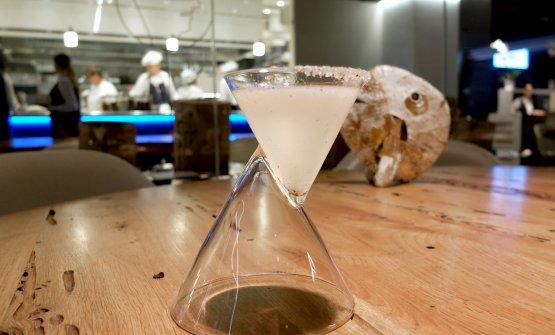 L'aperitivo inizia con un cocktail...