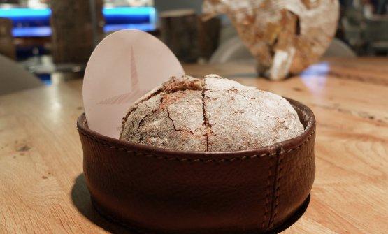 Straordinariamente buono il pane tipo pugliese con farina di grano arso prodotto da Forno SammarcodiSan Marco in Lamis (Foggia)
