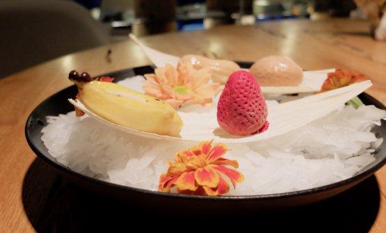 Omaggio ai fruttini di Don Matteo: misto di frutta con sorbetti e gelati