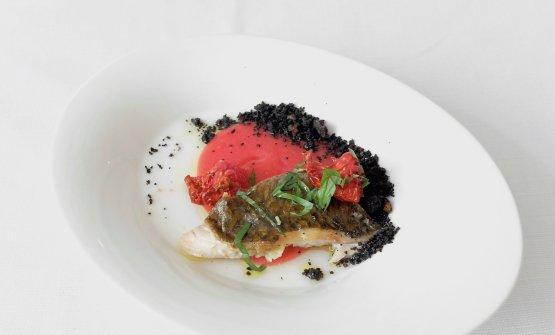Ancora alti livelli per il Muggine, pomodoro fresco e appassito, basilico, pane nero di seppia