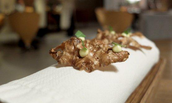 Chips di topinambur, maionese al dragoncello