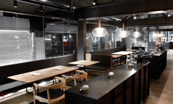 I tavoli del gastronomico al primo piano