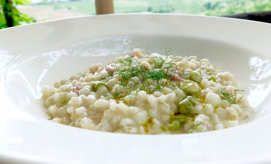 Barley with asparagus and prosciutto
