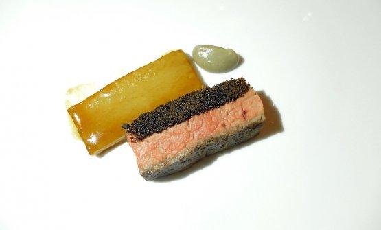 Controfiletto di fassona, patata fondente e funghi porcini