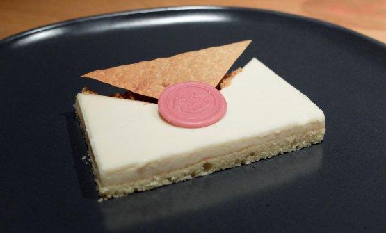 Bacio di dama alla Oldani (2018): cioccolato Ruby di Barry, mousse di mandorle, gelato al cioccolato