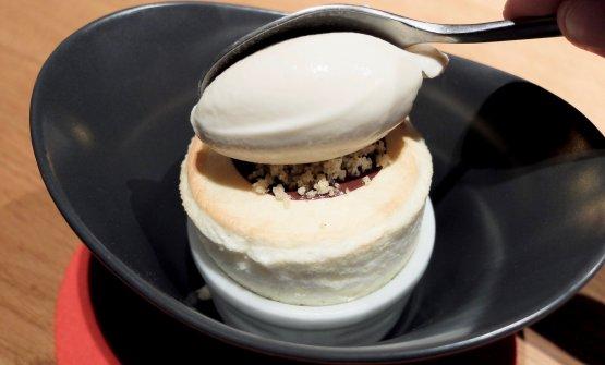 Soufflé di limone e lime, cialda di cioccolato, gelato di yogurt al ginepro (2018)