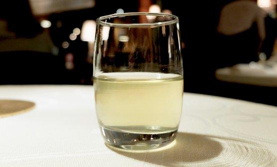 In accompagnamento una particolare versione del Bloody Mary, con acqua dei pomodori dell'orto del Cipriani, erbe aromatiche e vodka