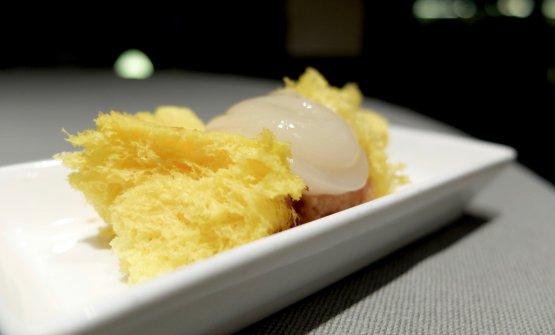 Pan di Spagna al limone, sorbetto di legumi, gel di limone