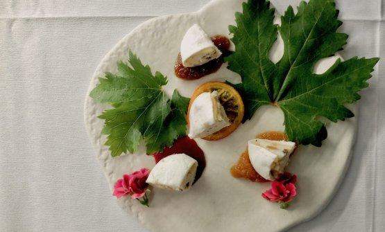 Dolce Bufala, «l'unico dessert che non è di nostra ideazione e produzione. È opera dello chef Nino Cannavale, di Aversa».Si tratta di una cassata siciliana rivisitata con prodotti campani: sfoglia di mozzarella, pan di spagna, ricotta di bufala, gocce di cioccolato, pistacchio, canditi