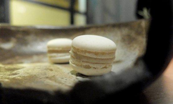 Macaron al foie gras e mosto cotto