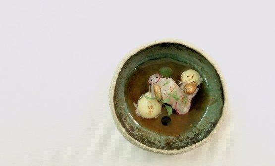 Ceviche di pezzogna all'acquapazza. Perfetta interpretazione campana di un piatto d'altri mondi, in una sintesi fusion molto pulita e raffinata