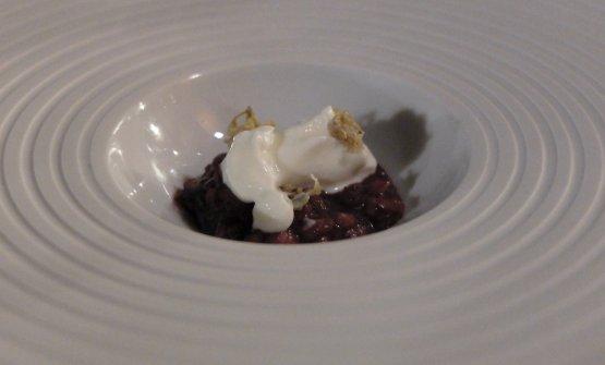 Pilaf rice, elderberry, kefir and elderberry flowers preserved in vinegar