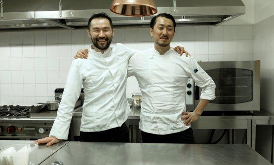 Lo chef Takeshi Iwaicolsous Shimpei Moriyama