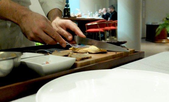 Altro intervento dello chef al tavolo...