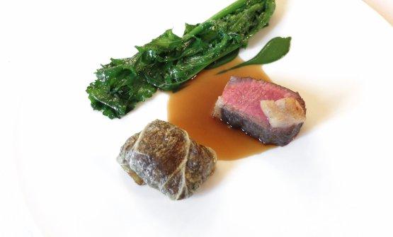 Il piatto è Montone, caponet, cime di rapa