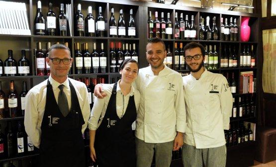 Giuseppe Lamenza, uomo di sala, Rossana Gallo, Gennaro Di Pace e il sous chef Cesare Grazioli (foto Tanio Liotta)