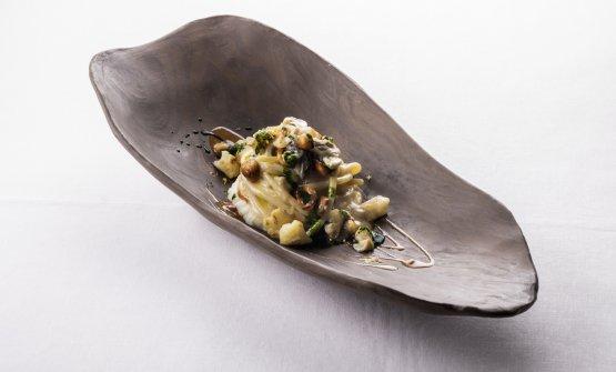 Spaghettone e cavolfiore, ostrica e nocciola, crema d'alghe: il piatto dell'autunno di Marco Perez