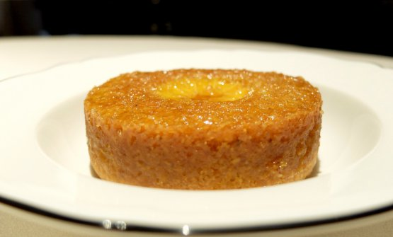 Tart of stone-milled polenta bergamasca, orange
