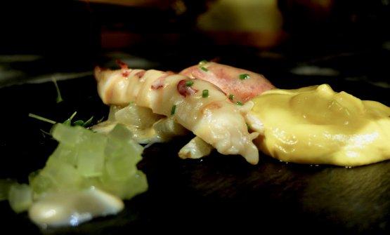 Astice e nuvole: astice intero al beurre blanc ed erba cipollina, zabaglione sifonato agli agrumi, crema di finocchi al profumo di anice, brunoise di sedano in osmosi