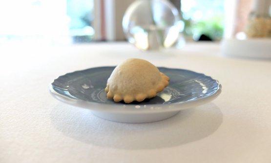 Raviolinofritto con olive taggiasche e santoreggia