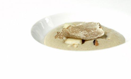 Spuma di porcini, nocciole e tartufo bianco