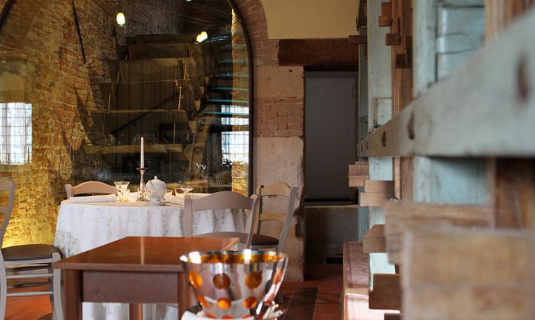 Le pale del mulino da riso all'interno del ristorante