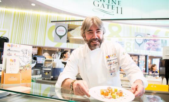 Philippe Levéillé con il suo piatto di aprile,Cubismo di sarde di lago, salsa verde e verdure agrodolci (qui la ricetta)