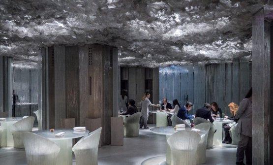 """L'illuminazione dell'Enigma di Albert Adrià curatada Davide Groppi: sono lampade Nulla filtrate in modo da «rendere """"unico e magico"""" ogni tavolo»"""
