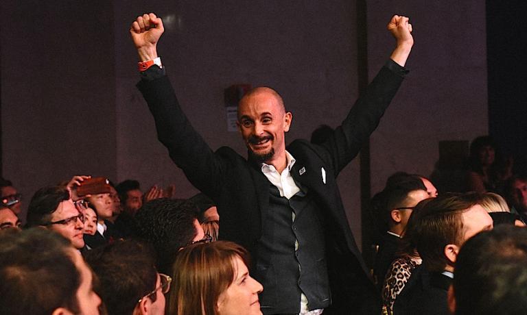 La gioia di Enrico Crippa, chef del Piazza Duomo ad Alba nelle Langhe, felice per il 17° posto, dieci posti in meno rispetto a un anno fa. Copyright The World's 50 Best Restaurants