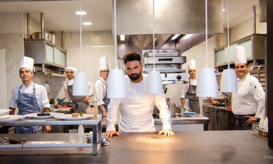 Croatti nella cucina di Orobianco, dove ha conquistato la stella Michelin nel 2018
