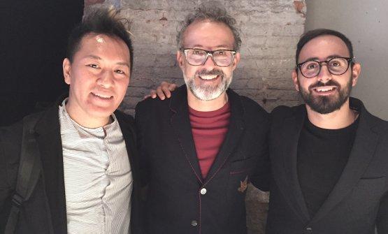 Takahiko Kondo e Davide Di Fabio, i due più stretti collaboratori di Massimo Bottura nelle cucine dell'Osteria Francescana a Modena e ovunque nel mondo