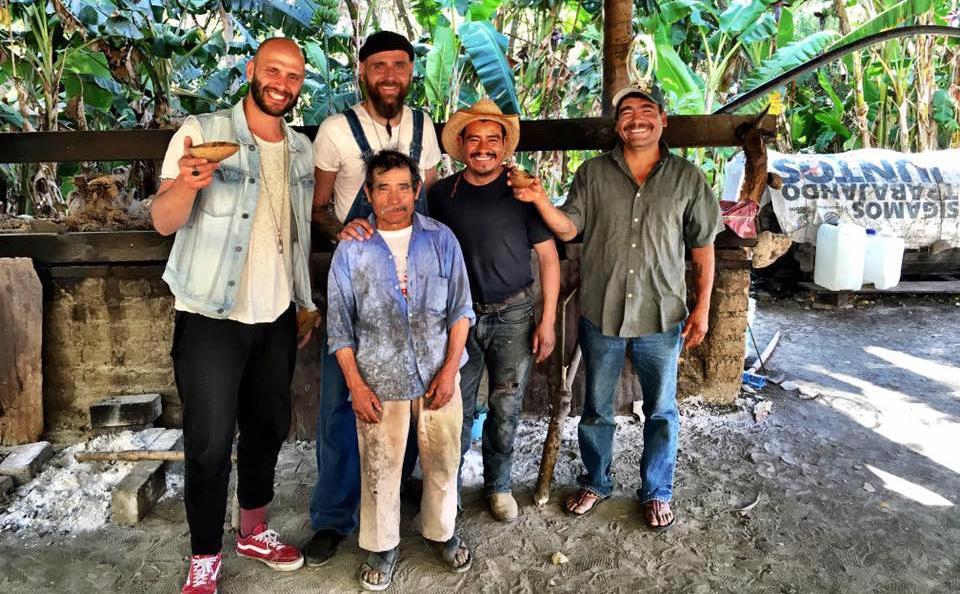 I ragazzi della La Punta Agaveria, ristorantemessicano (foto facebook)