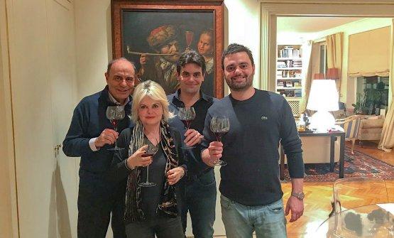 Bruno Vespa con la moglie Augusta Iannini e i figl