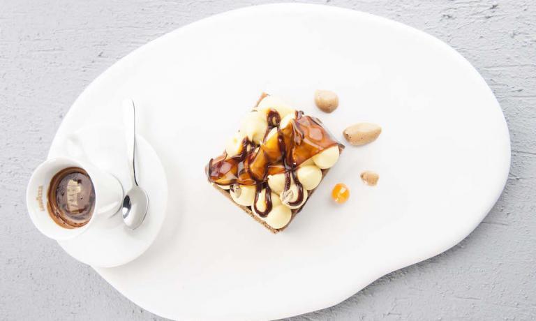 Un dolce ricco per una sana colazione senza glutine, ma goloso allo stesso tempo: con questa ricetta la pasticcera Loretta Fanella è tornata a Identità Milano anche quest'anno, per la sua sesta volta (foto Brambilla / Serrani)