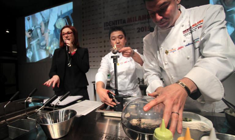 Luca Fantin usa grandissime materie prime giapponesi per comporre la sua cucina di stile italiano. Così la pasta incontra gigantesche ostriche jap, oppure un ragù di wagyu