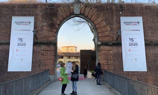 L'ingresso della Fortezza da Basso nei giorni