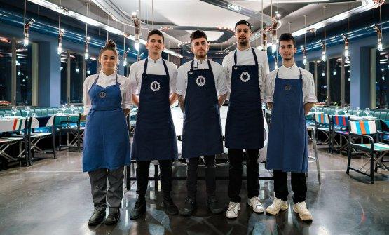 Da sinistraSabrina Foggia(cuoca junior),Simone Reani(cuoco),Charles Pearce(chef),Simone Maurelli(chef),Marco Beneduce(cuoco junior)