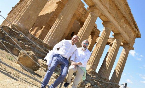 Cuttaia e Niederkofler nella Valle dei Templi. Le foto che seguono sono di Salvo Mancuso