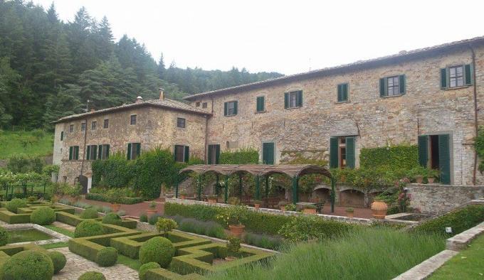 """Badia a Coltibuono, ovvero """"l'abbazia del buon raccolto"""", fu fondata dai monaci vallombrosani circa mille anni fa"""