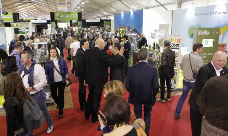 Anche quest'anno�Sol&Agrifood, Rassegna Internazionale dell'Agroalimentare di Qualit�, si � confermata come una prestigiosa vetrina che promuove l'eccellenza olivicola ed agroalimentare sul mercato nazionale e internazionale