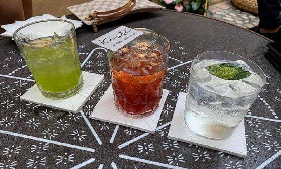 """Tre dei cocktail """"100% Sicilia"""" che rappresentano la nuova proposta di miscelazione voluta dallo chef Pietro D'Agostino nel suo locale più easy, il Kistè di Taormina. La foto è diValeria Zingale"""
