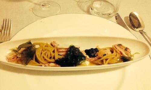 Sesame spaghetti with tuma cheese, sea lettuce, ma