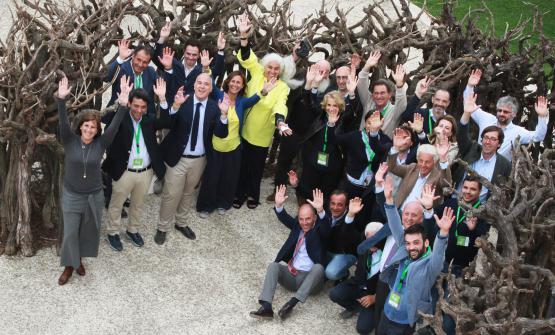 Foto di gruppo dei produttori siciliani di Assovini Sicilia (foto Max Firreri)