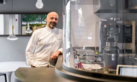 Niko Romito nella foto di Francesco Fioramonti. Lo chef salirà sul palco di Identità Milano lunedì 5 marzo