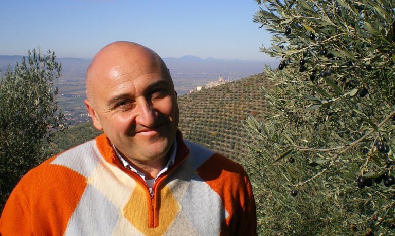 Francesco Gaudenzi, dell'importante frantoio di Pigge, vicino a Trevi,racconta di una stagione per il momento perfetta, con temperature e piogge ideali