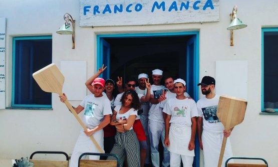 La squadra dell'unica pizzeria italiana della catena inglese Franco Manca (foto di Manuela Laiacona)