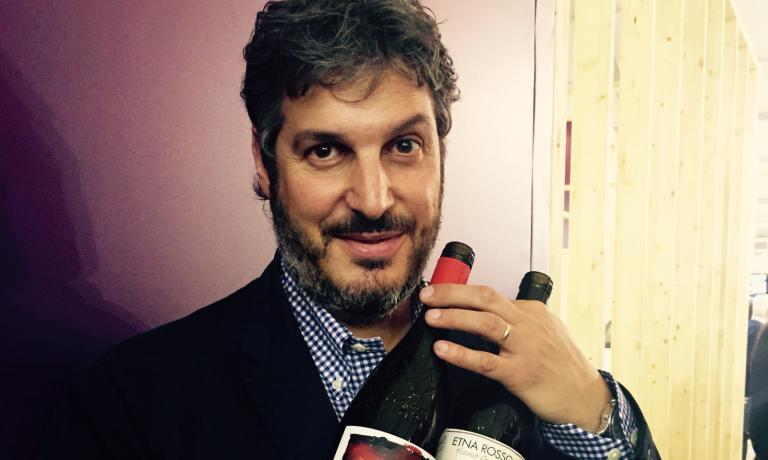 Il sommelier Federico Graziani e i suoi vini etnei Profumo di Vulcano, espressione del podere diPassopisciaro a Castiglione di Sicilia (Catania), una sfida vinta
