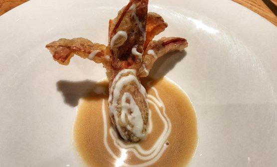 Scalogno - Scalogno fritto con salsa di Parmigiano Vacche Rosse e brodo di pollo di cascina