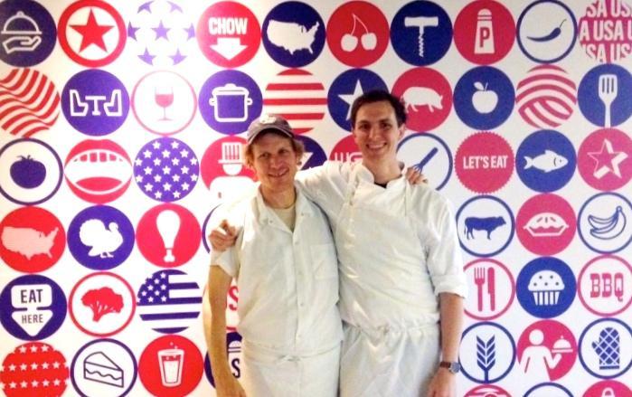 Evan Hanczor, a destra, con George Weld. Quest'ultimo � il fondatore del ristorante di Brooklyn Egg, dove Hanczor lavora dal 2009. Insieme lo hanno fatto diventare un punto di riferimento per le colazioni, a New York e non solo. Recentemente hanno anche pubblicato insieme un libro tutto dedicato al primo pasto della giornata