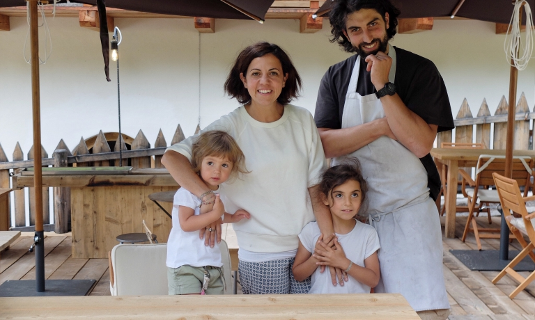 Riccardo Gaspari e Ludovica Rubbini, con i due figli, sono il cuore del SanBrite, a Cortina d'Ampezzo (Belluno). Una delle novità della Guida di Identità Golose 2018, in quanto nuovo nato dall'esperienza di grande successo del Brite de Larieto